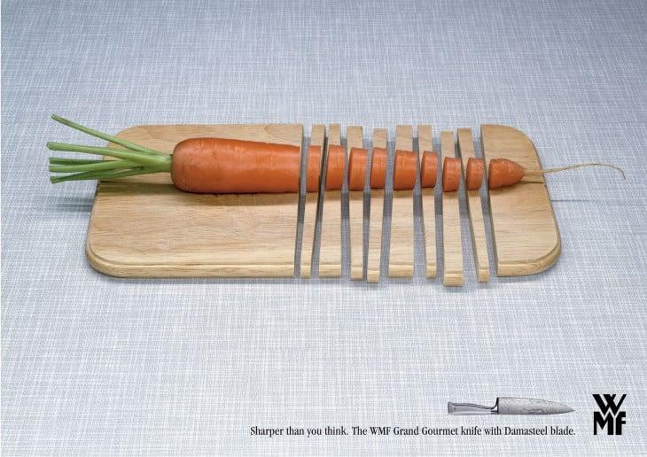publicidad de unos cuchillos donde partieron una zanahoria con todo y tabla de picar