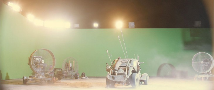 escena de mad max con pantalla verde