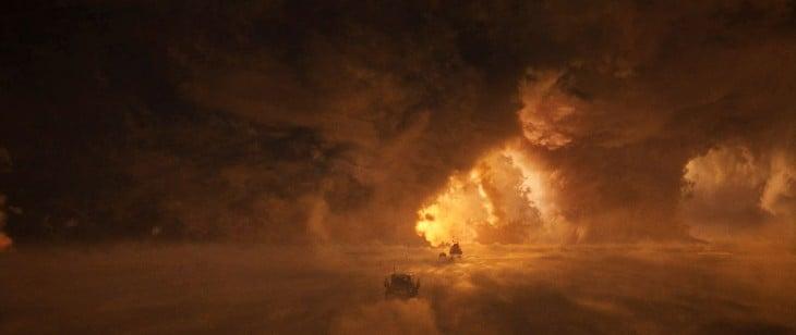 efectos especiales de un desierto en llamas durante una escena de la película de Mad Max
