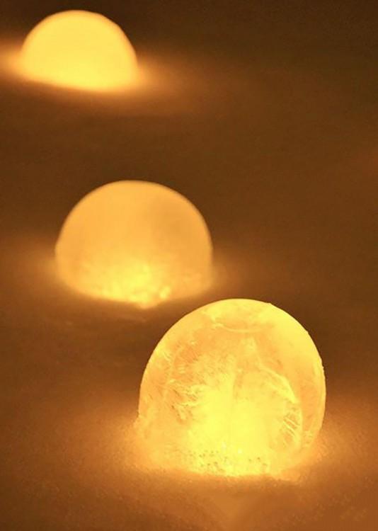 globos congelados con un poco de iluminación