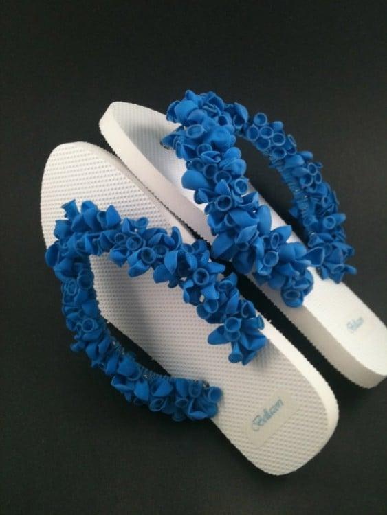 sandalias decoradas con globos