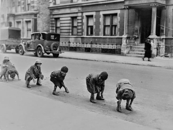 niños jugando a los enanitos