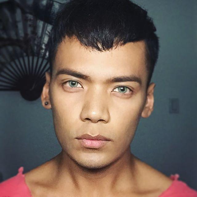 Jan Bonito el chico que con maquillaje se transforma en celebridades