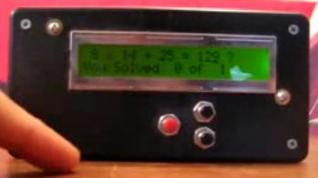 despertador que para desactivarlo se necesita resolver una ecuación