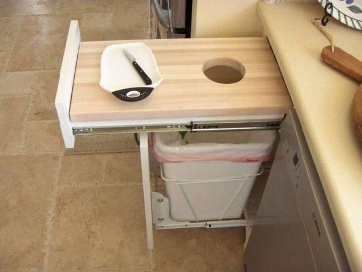 esconde tu basurero en la cocina de este modo