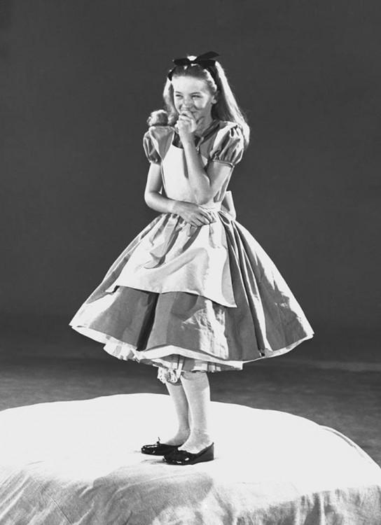 Kathryn Beaumont modelo en la que se inspiro el personaje de Alicia en el país de las maravillas