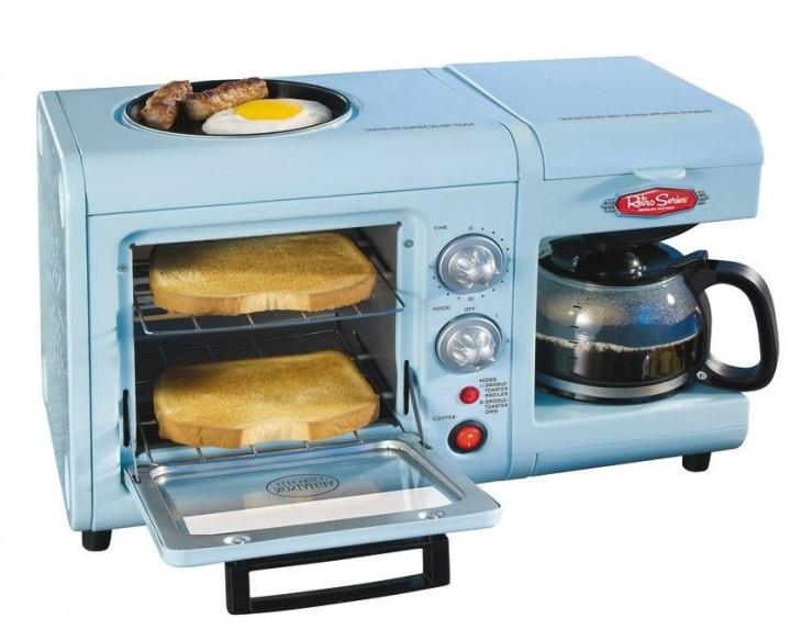 kit retro para un desayuno completo con pan tostado, café
