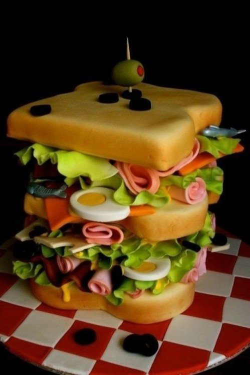 pastel en forma de un sandwich