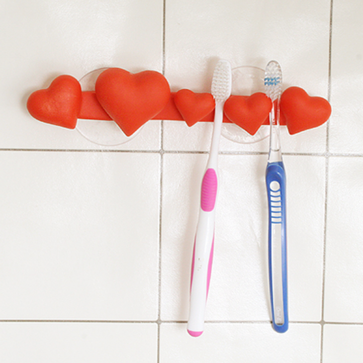 porta cepillos de dientes que puedes colocar en la pared de la ducha