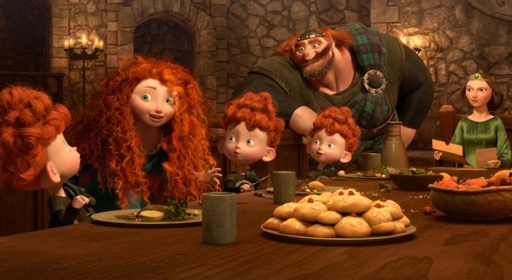 Personajes de la película valiente comiendo en la mente