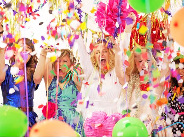 personas celebrando