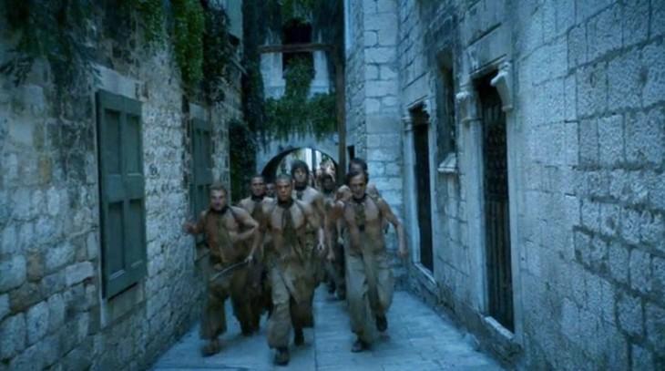 escena de la rebelión de los esclavos en la serie Game Of Thrones