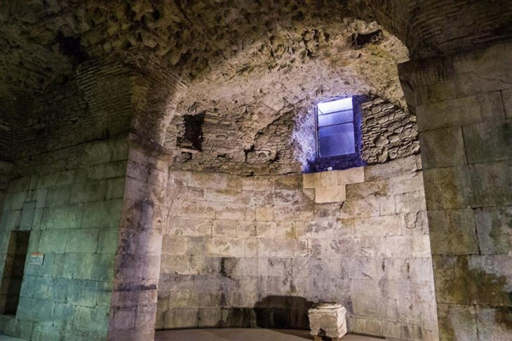 sótano del Palacio de Diocleciano, Croacia