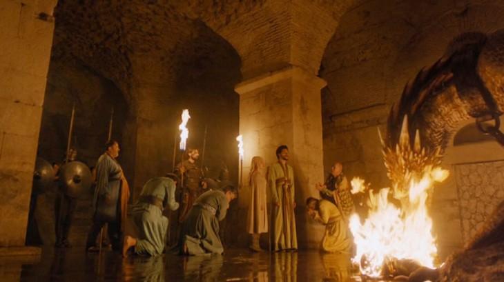 Escena de la serie Game Of Thrones en el sótano del palacio de Diocleciano donde los dragones se mantiene