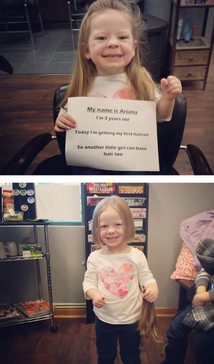 niña dona su cabello para que otras pequeñas puedan tener cabello también