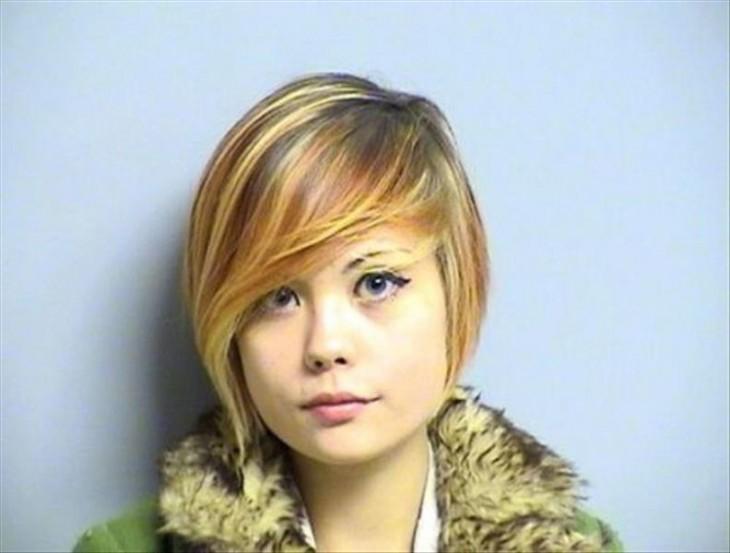 mujer con rasgos asiáticos que es una delincuente