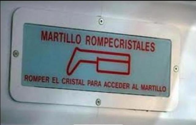 ROMPE MARTILLO CON UN MARTILLO QUE ESTA ADENTRO DE LA CAJA
