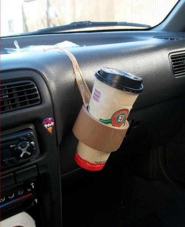 bote de café con una cinta maskingtape