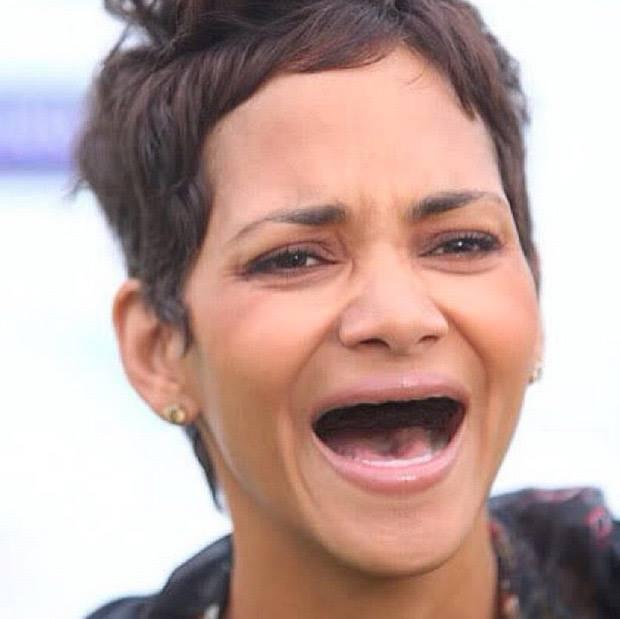 Halle Berry sin dientes