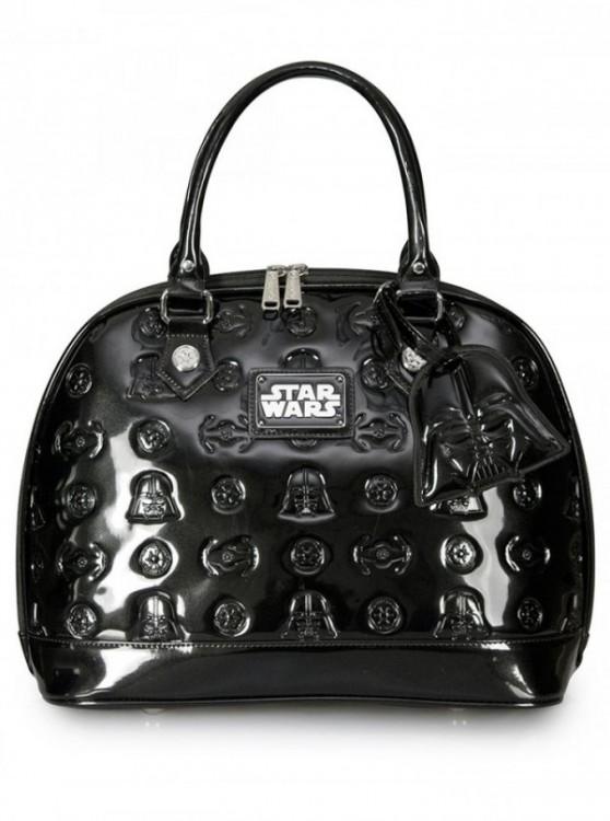 Bolsa en color negro con figuras de star wars