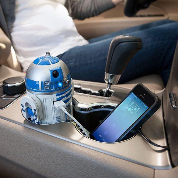 cargador de celular para carro en forma del robot R2D2