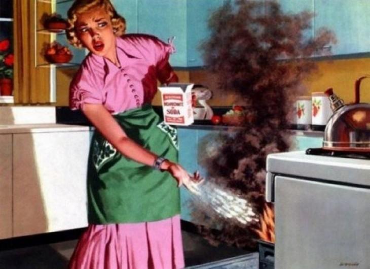 ilustración de una mujer que quemó su comida en el horno de la estufa