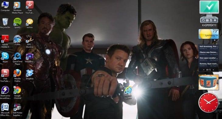 fondo de pantalla de los avengers disparando justo en el icono del internet explorer