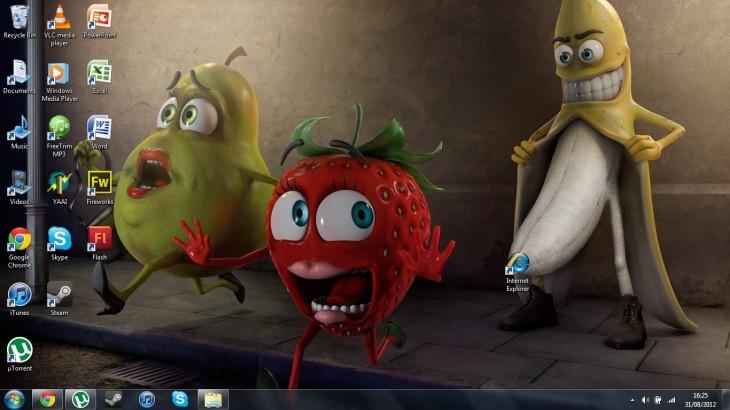 fondo de pantalla de unas frutas donde un plátano tiene en la punta el icono de internet explorer