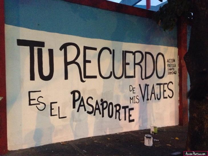 frase de acción poética en la pared