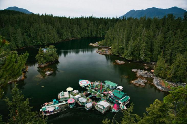 Isla flotante autosuficiente en Vancouver, Canadá
