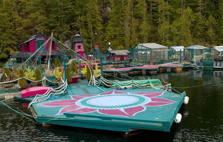 Plataformas que conforman la isla flotante auto suficiente en Canadá