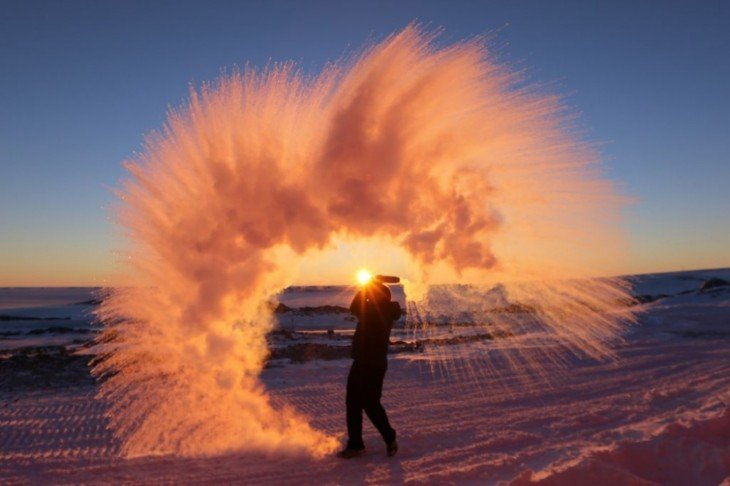 agua caliente en la antartida