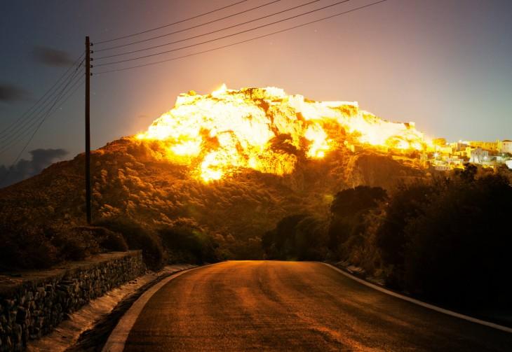 Explosión desde la montaña