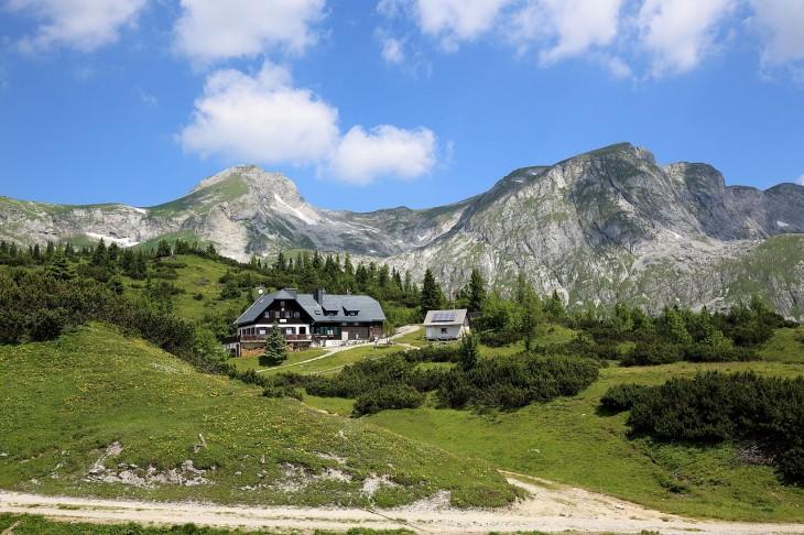 Sonnschienhütte en los Alpes austríacos
