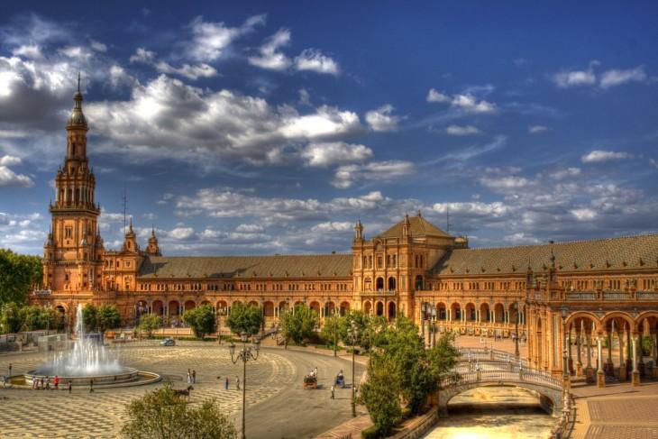 Plaza en Sevilla, España