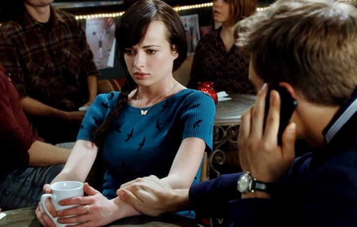 fotografía de una escena de una película awkward collin