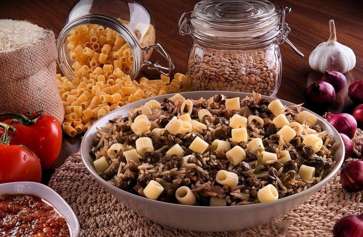 estofado de legumbres, Kushari en egipto