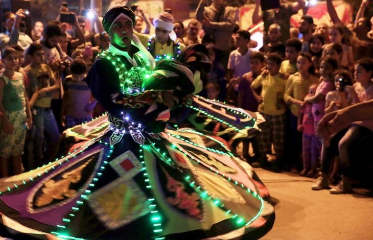 Persona celebrando el Ramadán en Egipto