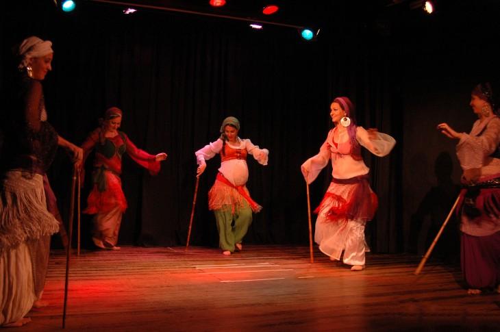 Mujeres en Egipto bailando la Danza Saidi