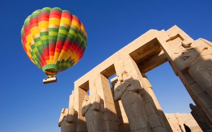 globo aerostático por Egipto