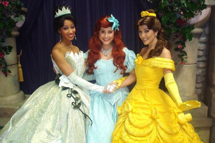 Empleadas de Disney vestidas de princesas
