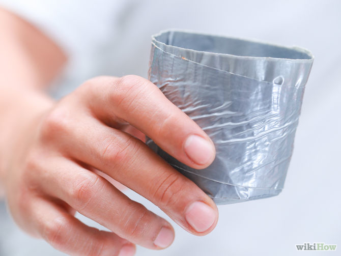 taza hecha de duc tape