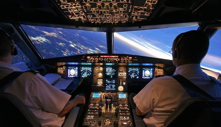 piloto y copiloto de una aerolínea