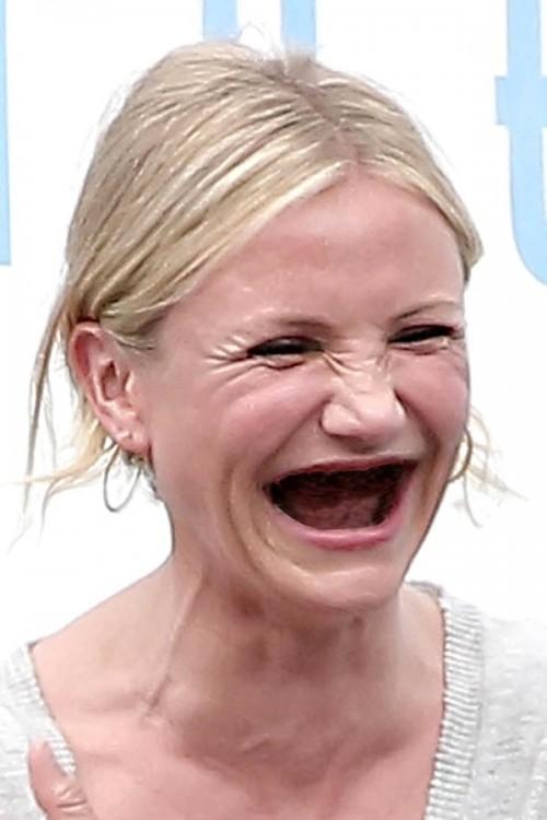 Cameron Díaz sin dientes