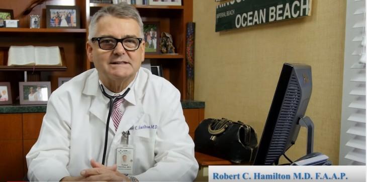 Robert Hamilton pediatra de la técnica hold