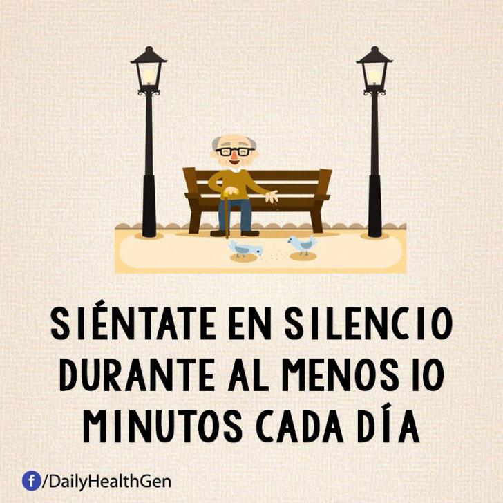 SIENTATE EN SILENCIO POR LO MENOS 10 MINUTOS AL DÍA