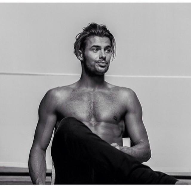 Jacey Ethalion, Modelo de instagram cosndiderado uno de los más guapos del 2015