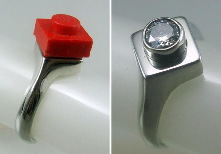 anillo de compromiso de figura de Lego