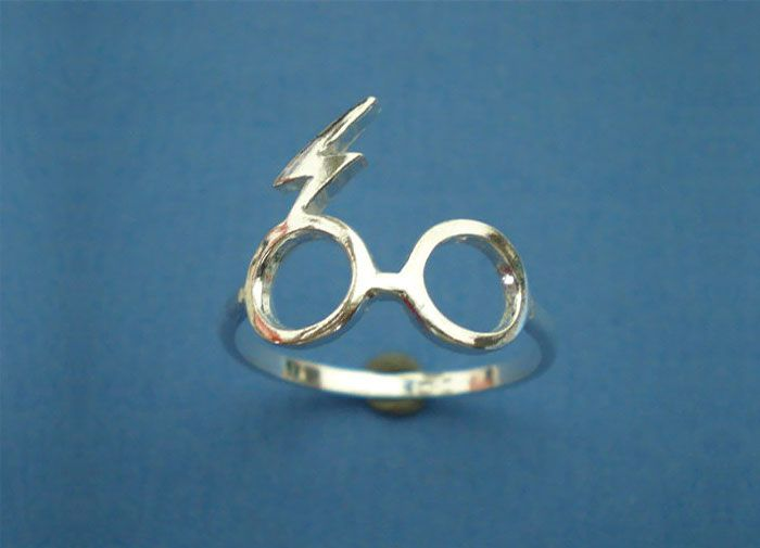 anillo de compromiso de Harry Potter