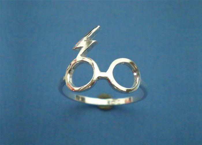 anillo de compromiso de Harry Potter